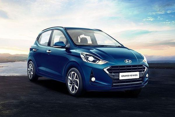 Hyundai Grand i10 mới 'ngon' hơn Suzuki Swift ở điểm nào?