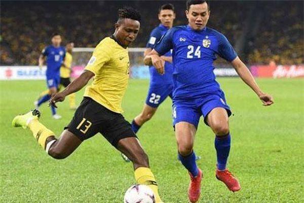 Malaysia gọi 4 cầu thủ nhập tịch, quyết 'đấu' với đội tuyển Việt Nam