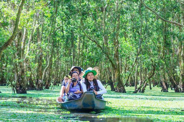 Mùa nước nổi vòng quanh thủ phủ tràm của Việt Nam