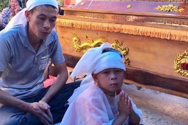 Mẹ con sản phụ chết bất thường ở Sơn La: Nhói lòng lời kể của người thân