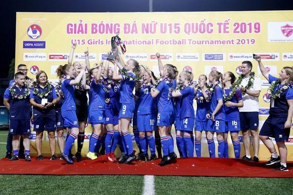 U.15 nữ Iceland vô địch giải bóng đá nữ U.15 Quốc tế 2019