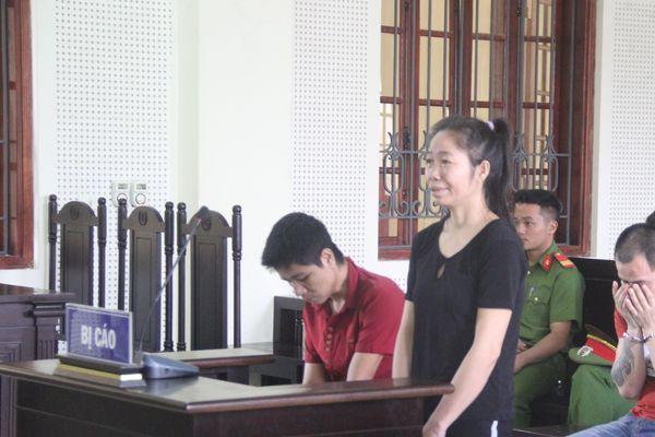 Em gái lĩnh án vì nghe lời chị tìm người bán qua Trung Quốc