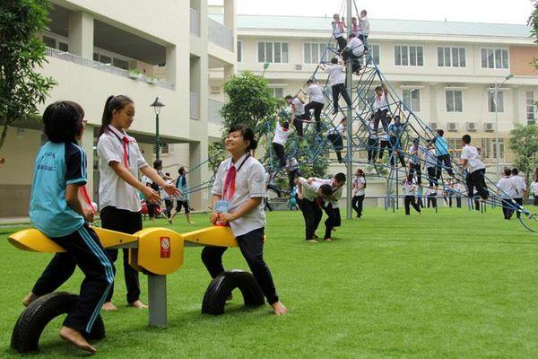 Chơi thể thao giúp trẻ học tốt