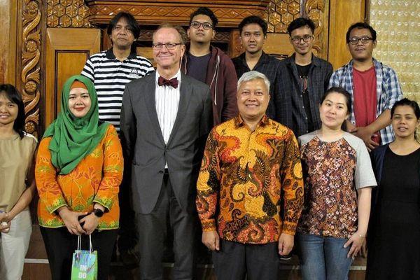 Độc đáo đêm hòa nhạc của nhóm nhạc đến từ Indonesia