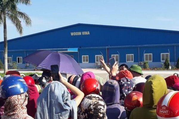Hàng trăm công nhân nhà máy Wooin Vina đình công, đòi quyền lợi