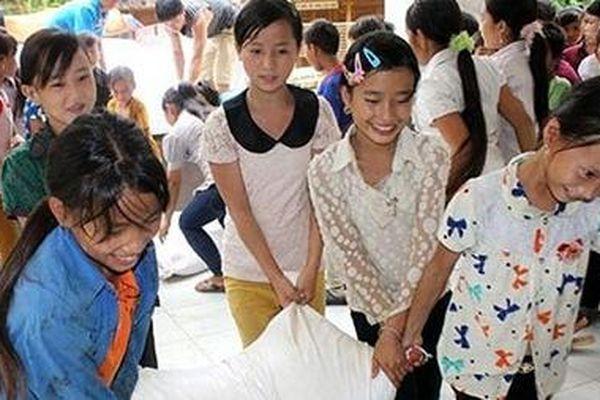 Cấp hàng chục nghìn tấn gạo hỗ trợ học sinh 'vùng khó' trong năm học mới