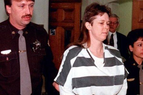 Tội ác không thể dung thứ của bà mẹ lần lượt giết 2 con gái mới sinh