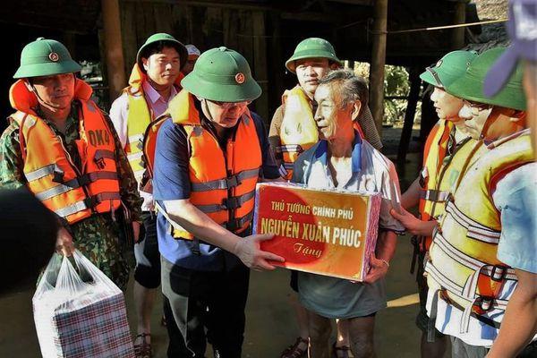 Chính phủ hỗ trợ 2.000 tấn gạo cho người dân vùng lũ