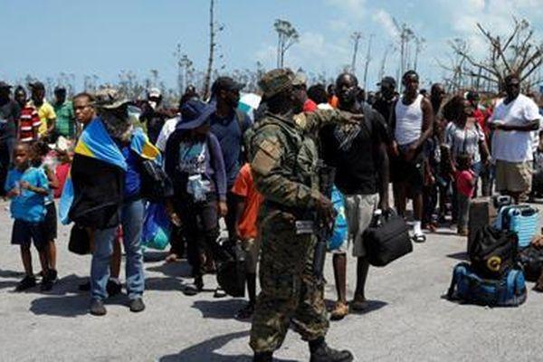 Hàng nghìn người dân Bahamas tuyệt vọng chạy trốn vì bão Dorian