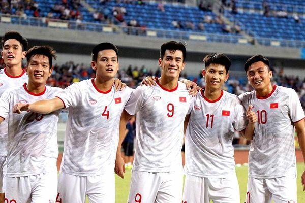 Hạ U22 Trung Quốc, tuyển thủ U22 Việt Nam rạng ngời nụ cười chiến thắng
