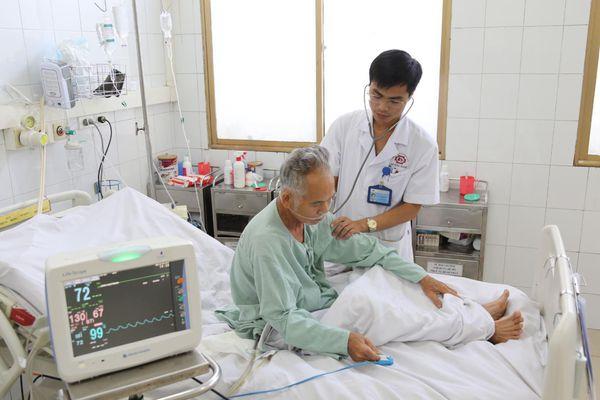 Cứu sống bệnh nhân sốc mất máu do vỡ phình động mạch chậu