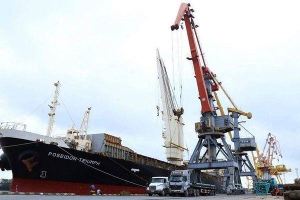 Khi nào có thể di dời cảng Hoàng Diệu?
