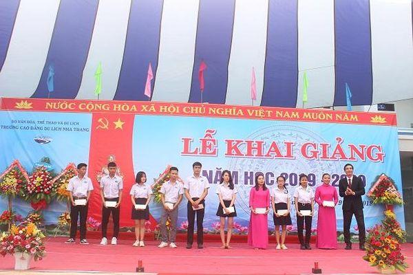 Trường Cao đẳng Du lịch Nha Trang: Đón hơn 1.000 tân sinh viên