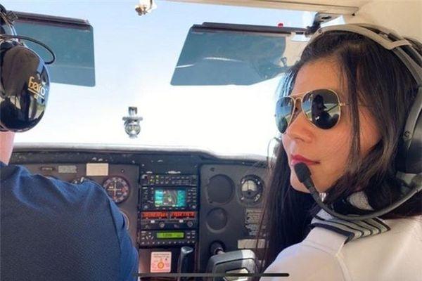 Nữ phi công gốc Việt muốn bay 'độc hành' vòng quanh thế giới
