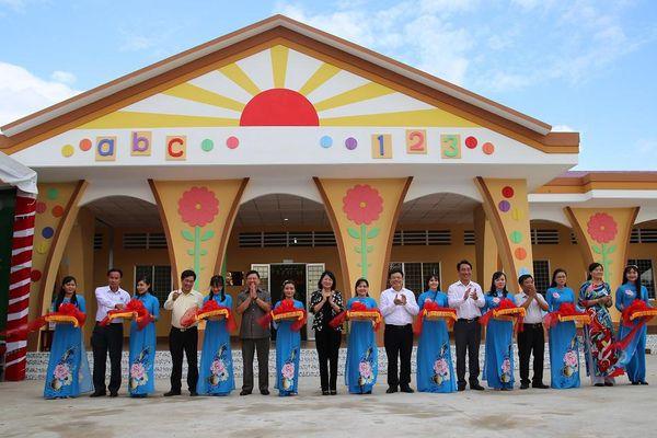 Phó Chủ tịch nước Đặng Thị Ngọc Thịnh dự Lễ khánh thành trường Mầm non Tân Hạnh, Vĩnh Long