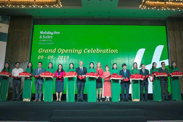 Khai trương khách sạn Holiday đầu tiên cạnh sân bay Tân Sơn Nhất