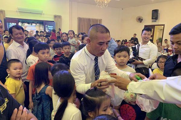 Xuân Nhị tri ân hàng trăm khách hàng tại Quảng Ngãi
