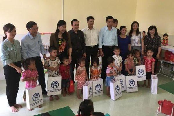 Mặt trận Hà Nội hỗ trợ đồng bào vùng bão lũ tỉnh Tuyên Quang
