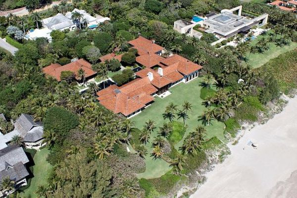 Tỷ phú sở hữu ngôi nhà đắt nhất nước Mỹ vừa vung thêm 99 triệu USD vào một biệt thự khác