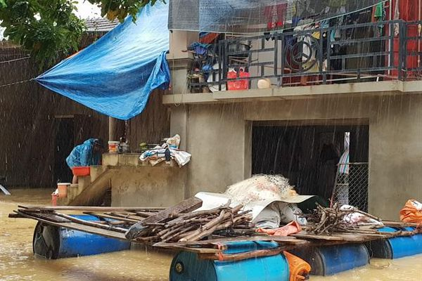 Hà Tĩnh: Đề xuất hỗ trợ xây dựng trường học và nhà ở vượt lũ
