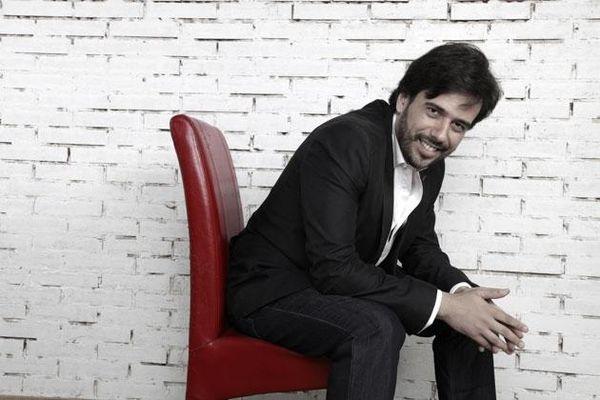 Nghệ sĩ piano xuất sắc Tây Ban Nha trình diễn trong Dàn nhạc Giao hưởng Mặt Trời