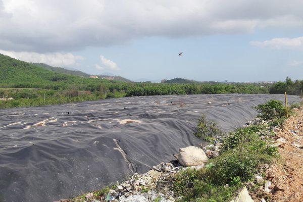 Chi hàng chục tỷ đồng 'bịt' mùi hôi từ bãi rác duy nhất của Đà Nẵng