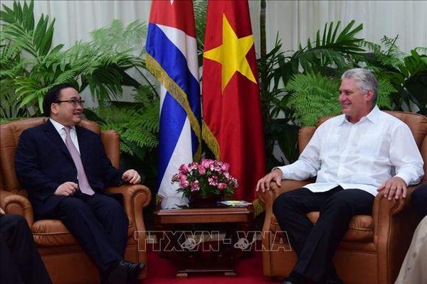 Đoàn đại biểu Đảng ta thăm và làm việc tại Cuba