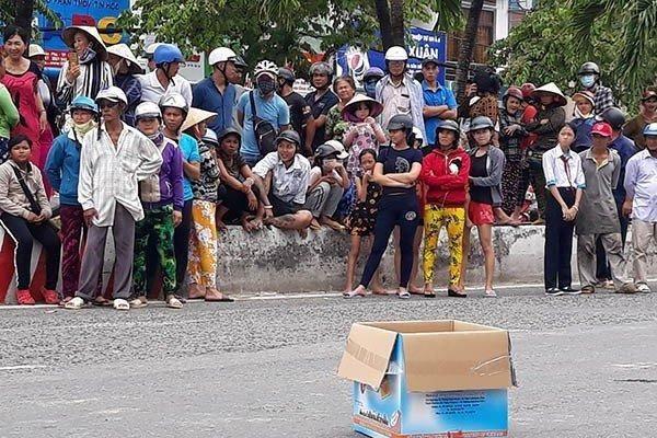 Thông tin bất ngờ về người phụ nữ làm rơi túi chứa xác thai nhi xuống đường