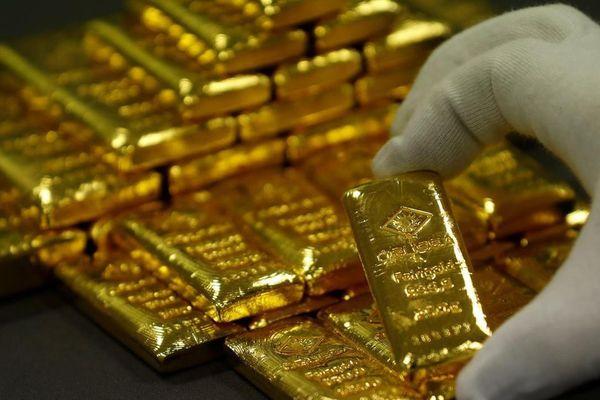 Vàng thế giới sụt giá, trong nước đi ngang