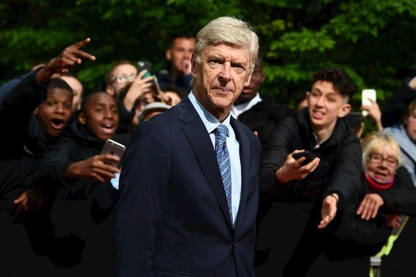 Cựu HLV Wenger làm việc tại FIFA