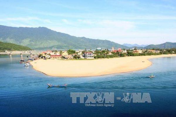 Thừa Thiên Huế: Phát huy tiềm năng du lịch biển Lăng Cô