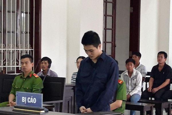 Đâm chết người đánh mình, nam thanh niên lĩnh 9 năm tù giam