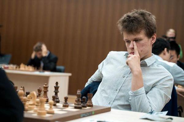 Giải World Cup cờ vua 2019: Kỳ thủ Lê Quang Liêm cầm hòa cao thủ cờ vua Nga