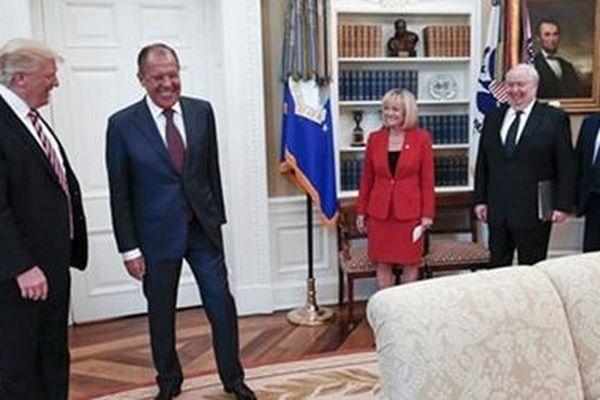 Xung quanh nghi vấn nhân viên điện Kremlin hoạt động gián điệp