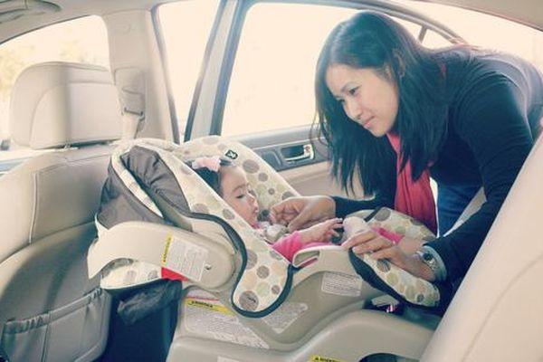 Cần làm gì để tránh bỏ quên trẻ trên ô tô?