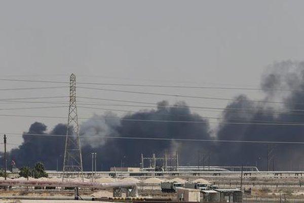 Vì sao lưới phòng không khủng của Ả Rập Saudi 'câm nín' khi bị tấn công?
