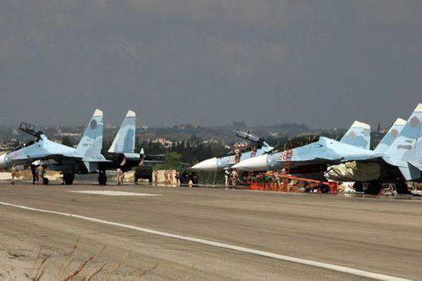 Chiến đấu cơ Nga xuất kích từ căn cứ Hmeymim ngăn Israel tấn công Syria?