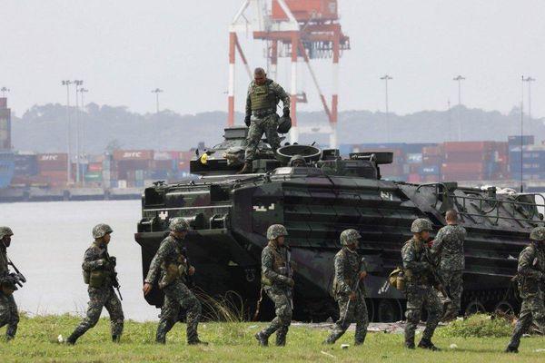 Philippines thực hiện cuộc diễn tập lịch sử, mô phỏng kịch bản 'chiếm lại đảo' gần Biển Đông