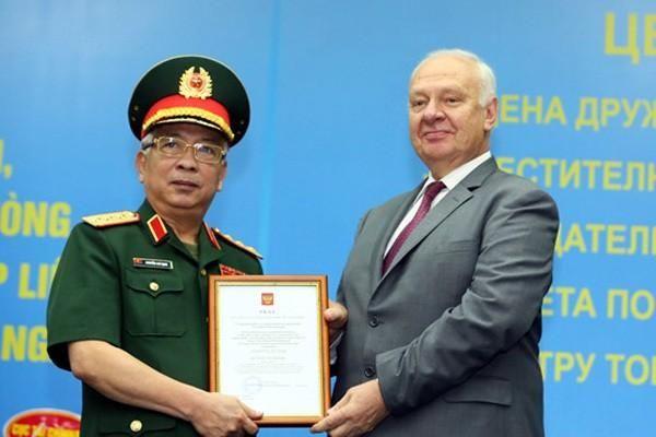 Tướng Nguyễn Chí Vịnh nhận huân chương Hữu nghị của Nga