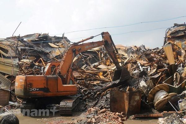 Vụ Rạng Đông: Đã thu gom gần 1.100 tấn vật liệu sau cháy