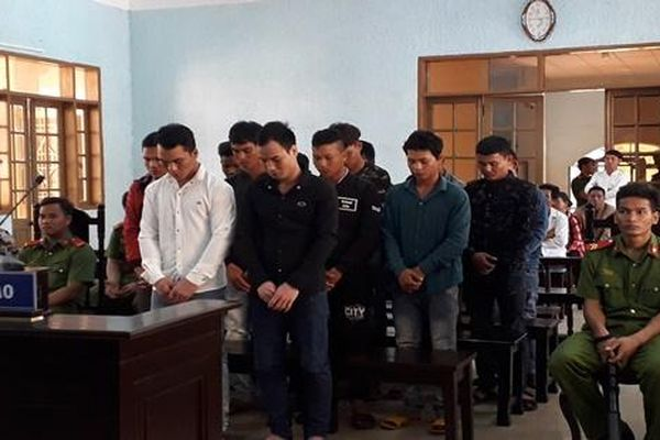 Nhóm trai làng hỗn chiến vì mâu thuẫn việc 'tán gái'