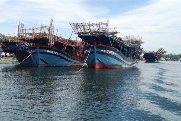 Quảng Ngãi: Một thuyền viên mất tích trên biển
