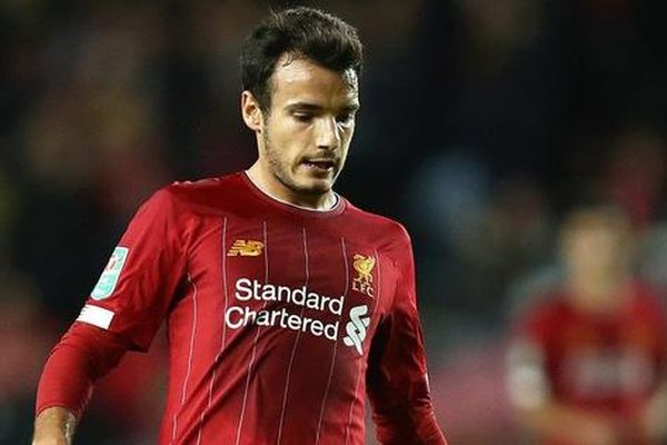 Dùng cầu thủ 'bất hợp pháp', Liverpool bị cấm thi đấu Cúp Liên đoàn
