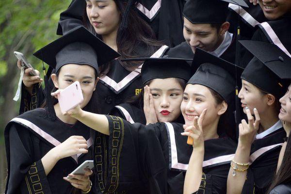 Giới trẻ Trung Quốc với nhu cầu được giáo dục giới tính toàn diện