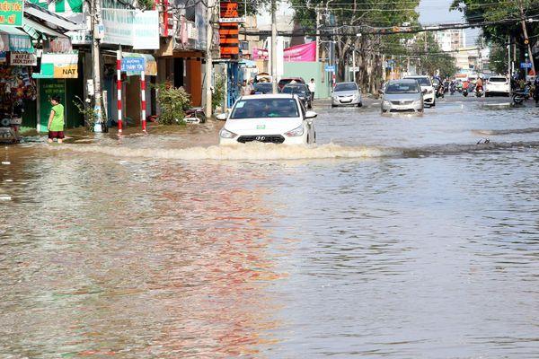 Cần Thơ nóng chuyện 140 khu dân cư tự phát, ngập lụt hơn 100 tuyến đường