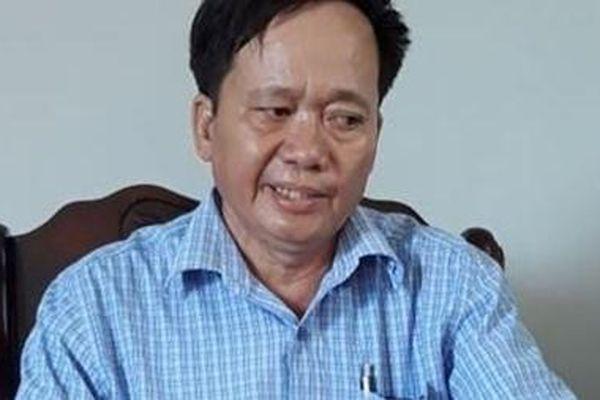 Bí thư Đảng ủy xã chỉ đạo người làm thuê phá rừng trồng của dân xin thôi chức