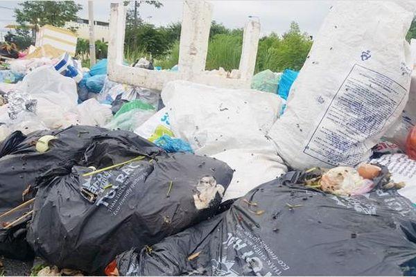 Bí thư Tỉnh ủy xin lỗi dân vì rác thải gây ô nhiễm môi trường