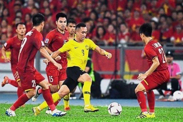 Khi trụ cột 'sức cùng, lực kiệt', ĐT Việt Nam sẽ đá thế nào với Malaysia?
