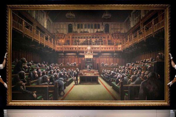 Bức tranh tiên tri về tương lai nước Anh của họa sỹ đường phố bán được 290 tỷ