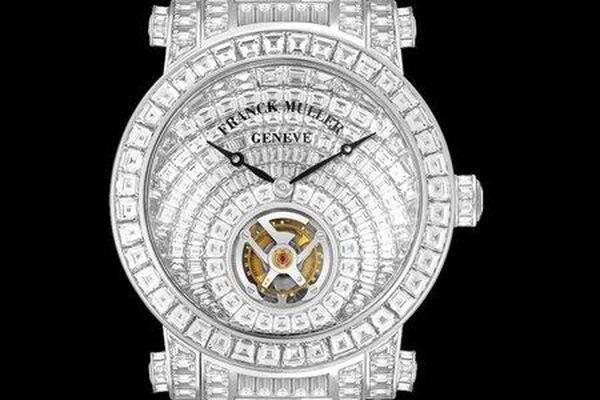 Đồng hồ giá 30 tỷ đến Việt Nam